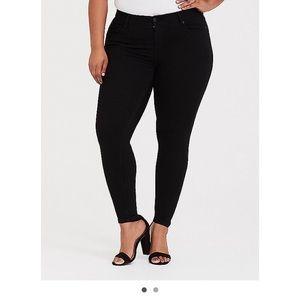 Black bombshell jeans